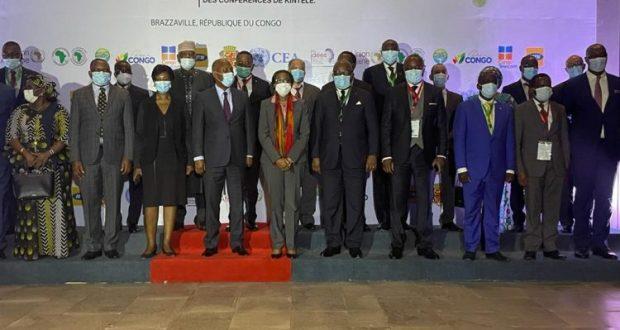 les ,participants à la 7ème forum